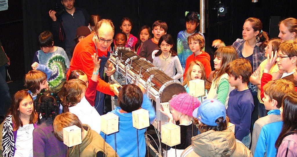 Family Day 2015 Sound Maze With Rinde Eckert And Paul